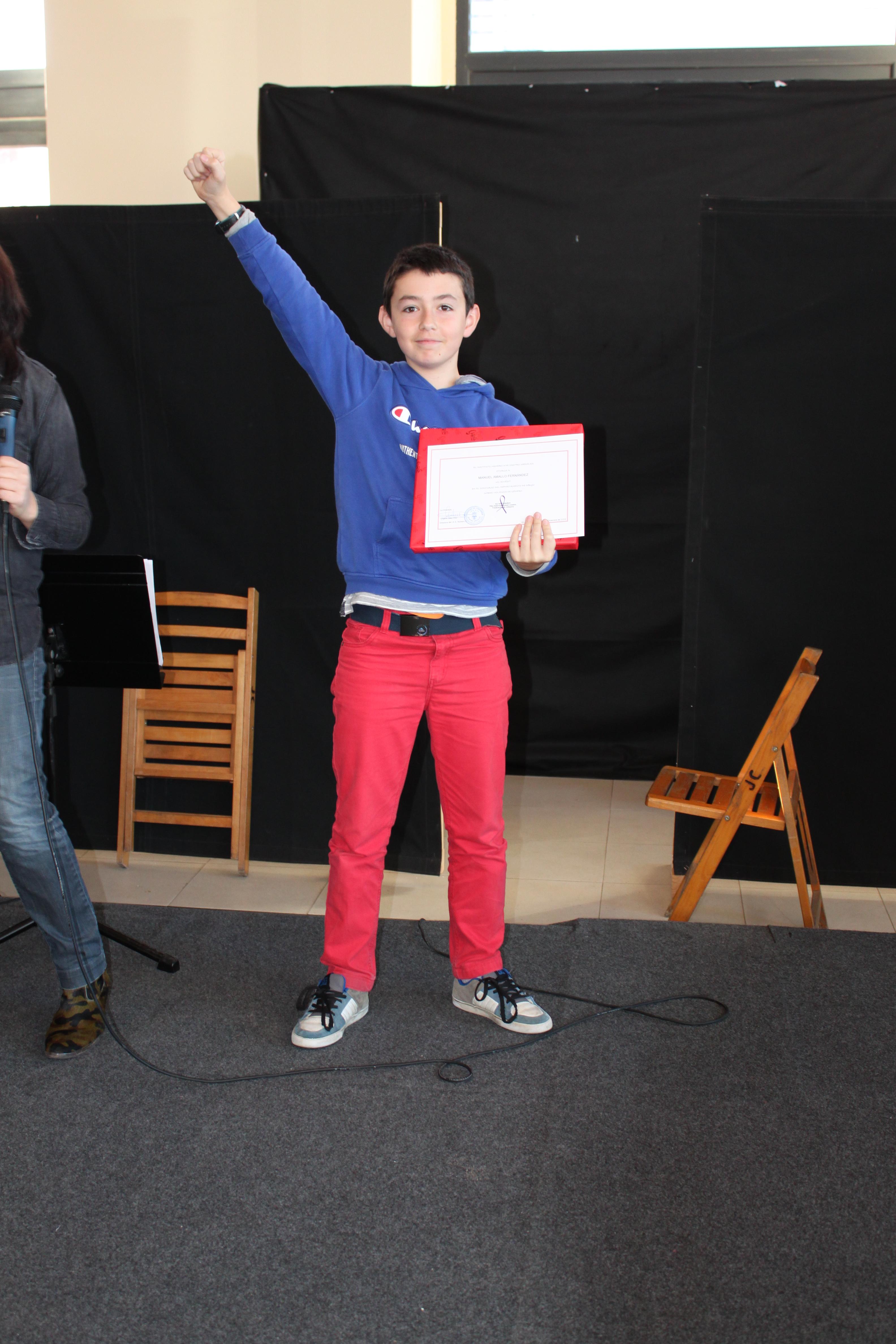 Manuel recoge su premio