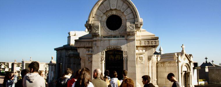 Visita al Cementerio de Ballena