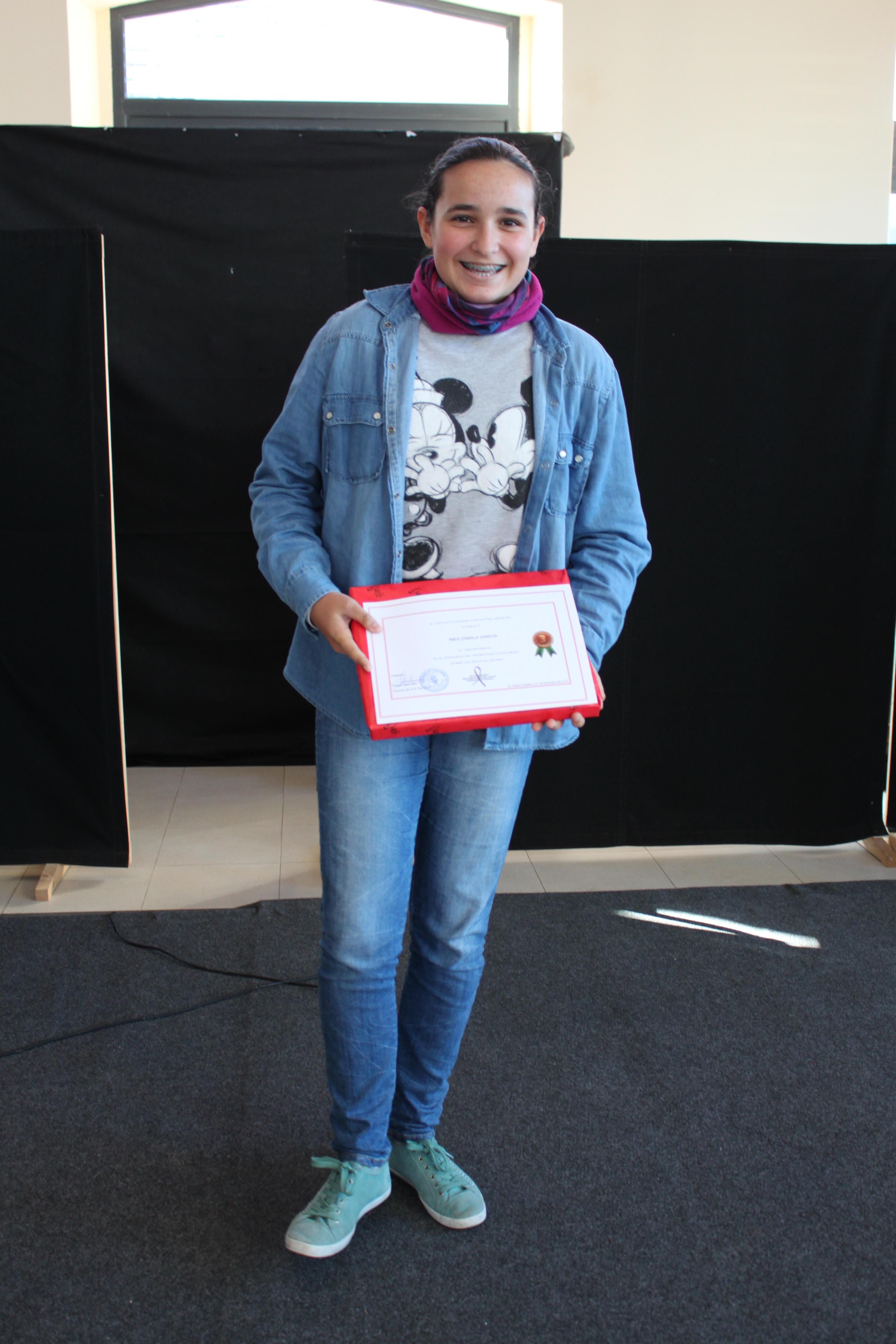 Inés recoge su premio